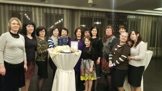 שבתון לנשים מחמש ערים באוקראינה: הפנינים ברקו והאירו
